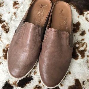 FRYE women's Leather Slip On shoes size 10